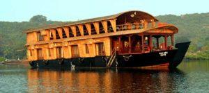 Backwaters Houseboat Stay